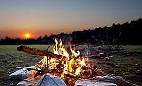 Kamp Ateşi Yakarken